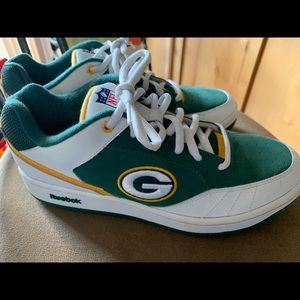 61204076cd9 New Men s Green Bay Packers Reebok NFL Shoes 9.5